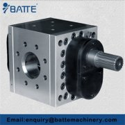 Melt gear pumps